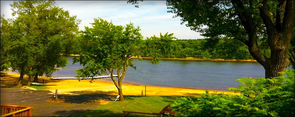 Amenities cedar lodge for Wisconsin fishing lodges